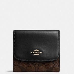 ✨Host Pick✨Coach Trifold Signature Coated Wallet